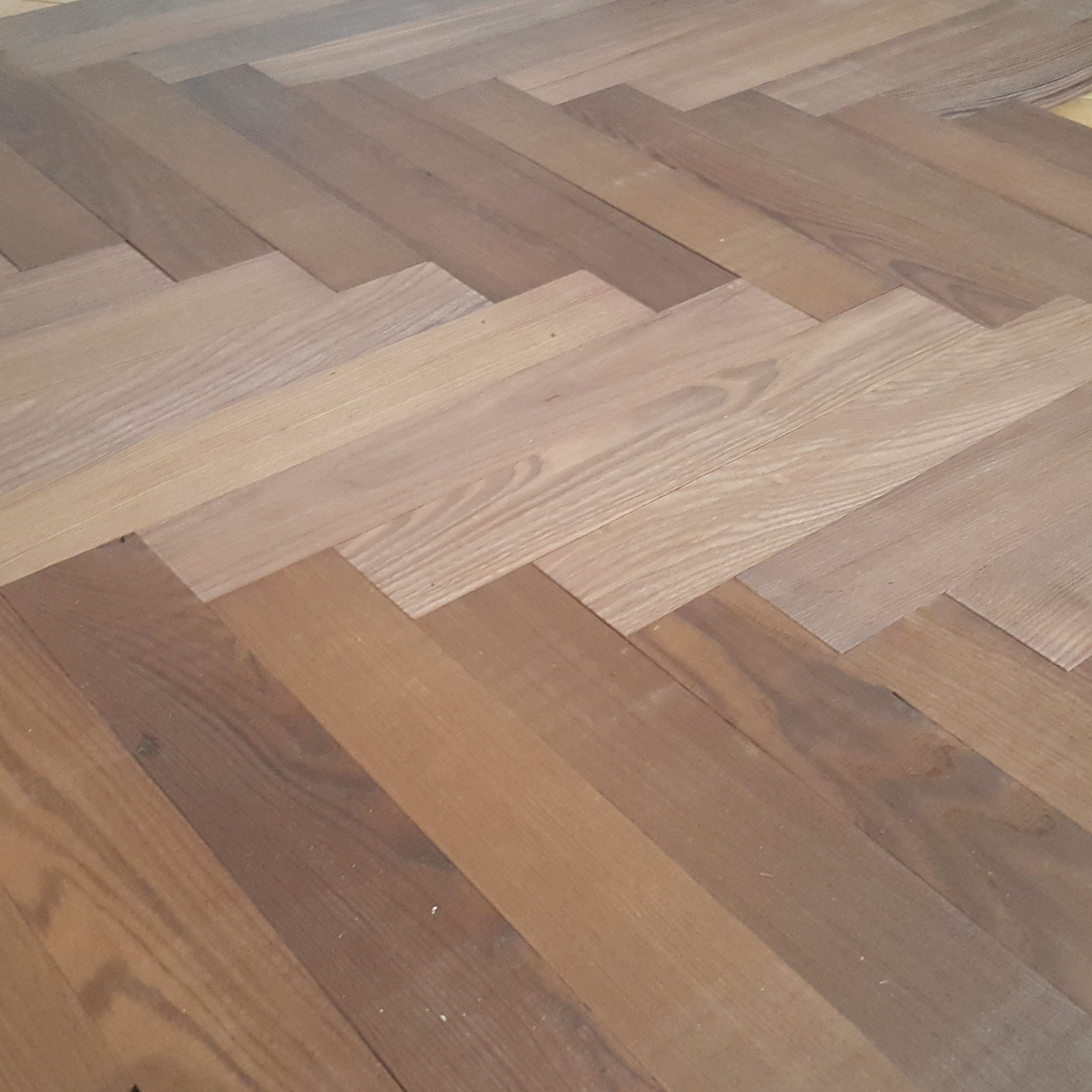 thermo-treated-ash-herringbone-parquet-360mm-7