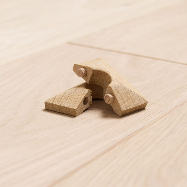 Solid-Oak-square-Radiator-Rings-Pipe-Covers-15mm Pipe-2